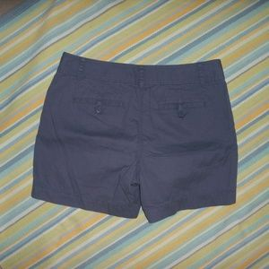 Ann Taylor LOFT Original Gray chino shorts size 10